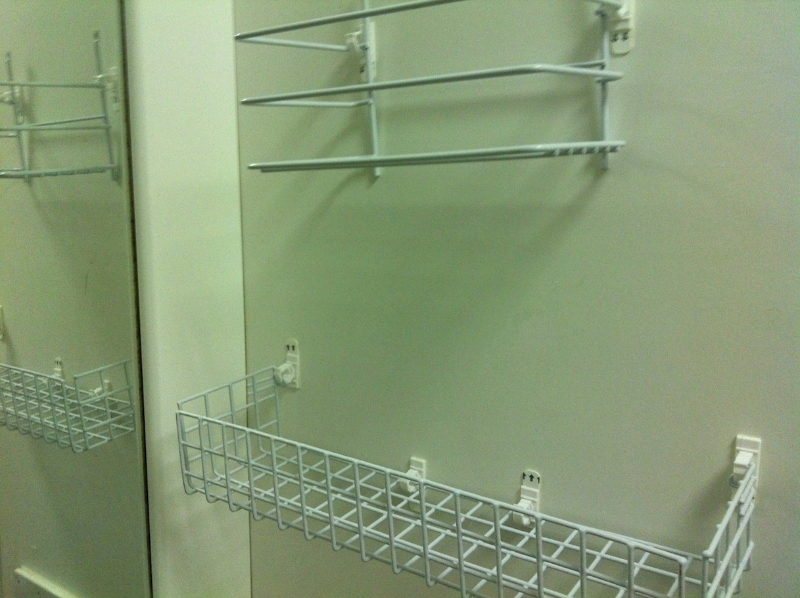 Renter Friendly Shelving Canwad